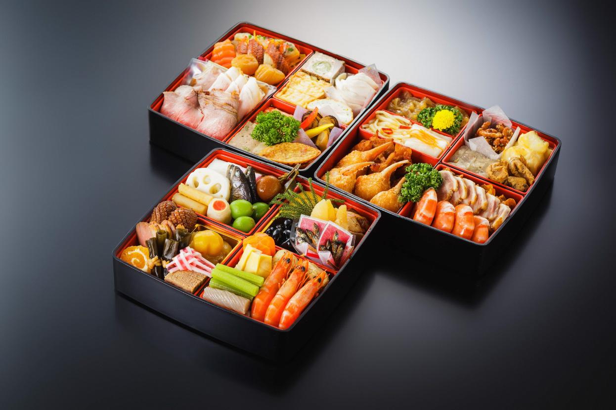 [和洋中]三段重ね 4~5人前 | おせち料理予約販売 |2018年新春に松山全日空ホテルのおせち料理はいかがですか?